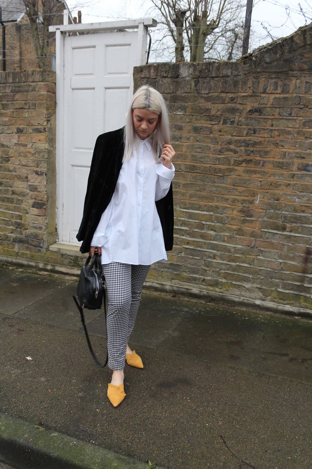 oversized white shirt, gingham trousers, leather mules, joey taylor, northern magpie