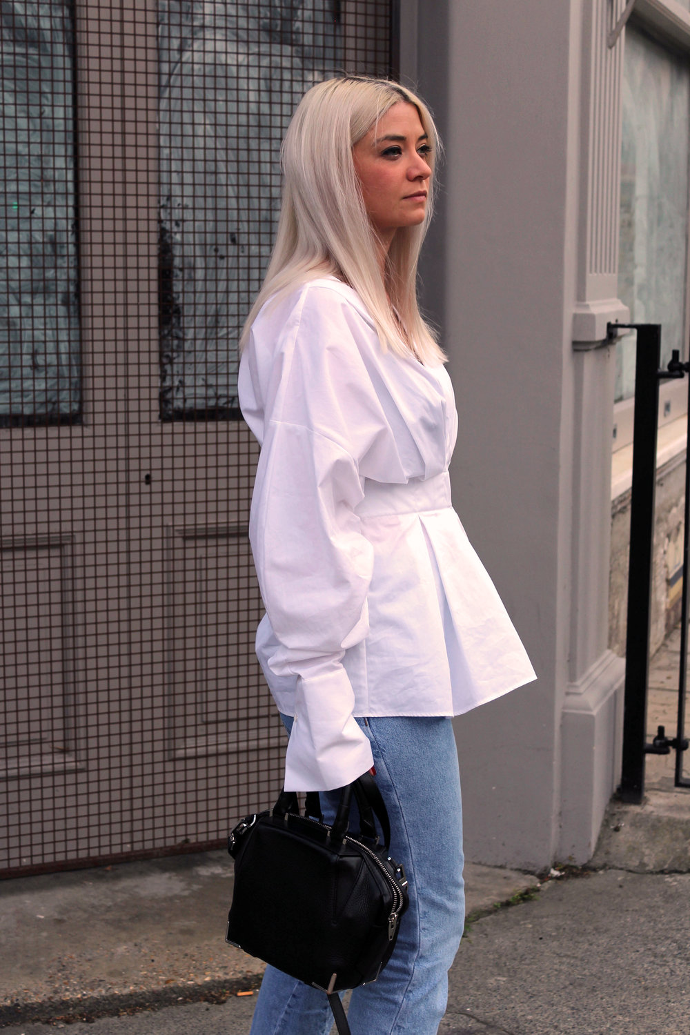 white shirt, topshop jeans, oriental sandals, white blonde hair, northern magpie, joey taylor 5