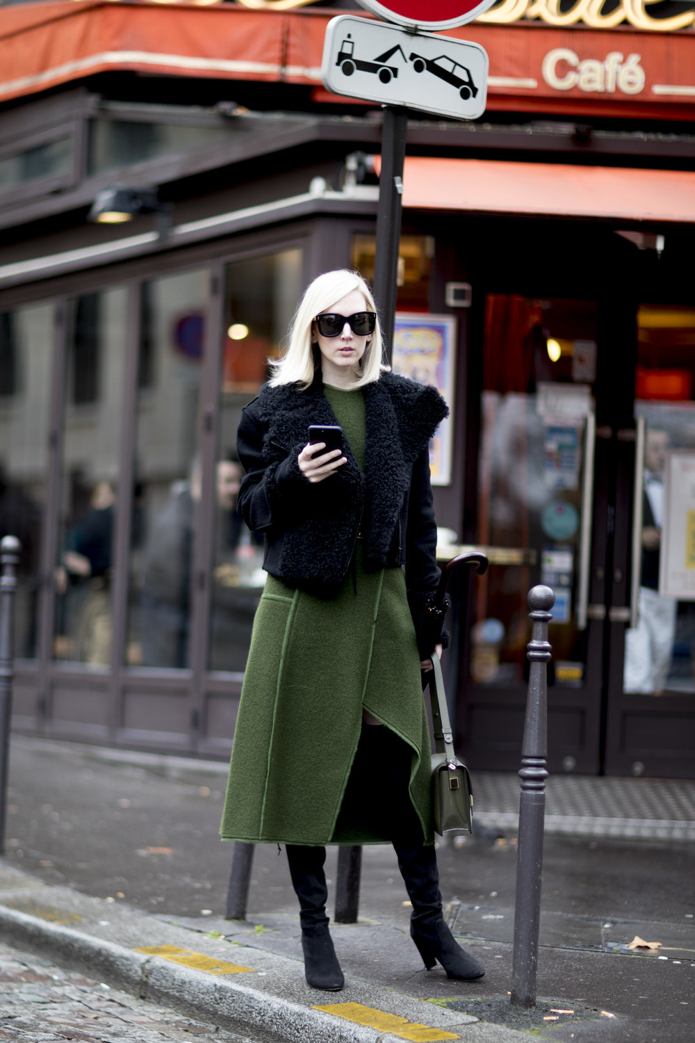 Fashion_Week_Streets_0217_PRS_FWS_07_060_hr.jpg