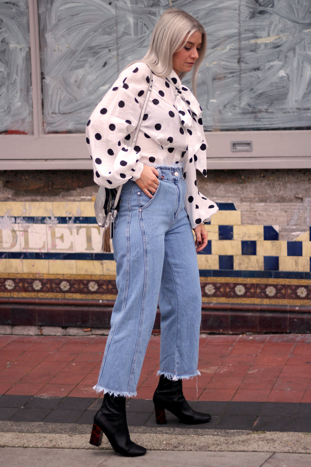 PUSSY BOW POLKA DOT BLOUSE, WIDE LEG FRAYED TOPSHOP JEANS, BLACK ANKLE BOOTS, NORTHERN MAGPIE, JOEY TAYLOR 4