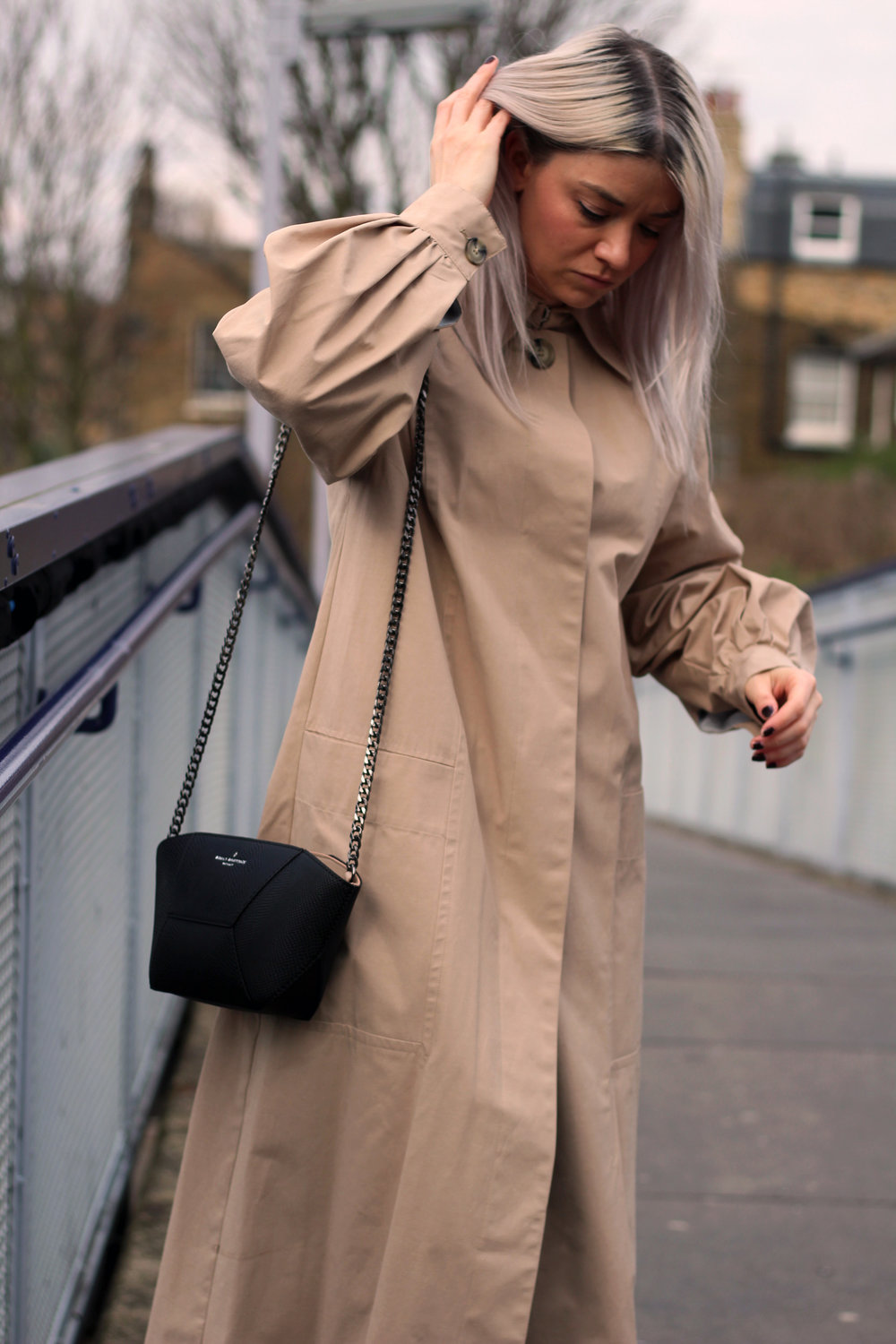 TRENCH COAT, PAULS BOUTIQUE BAG, GIVEAWAY, TOPSHOP JEANS 3