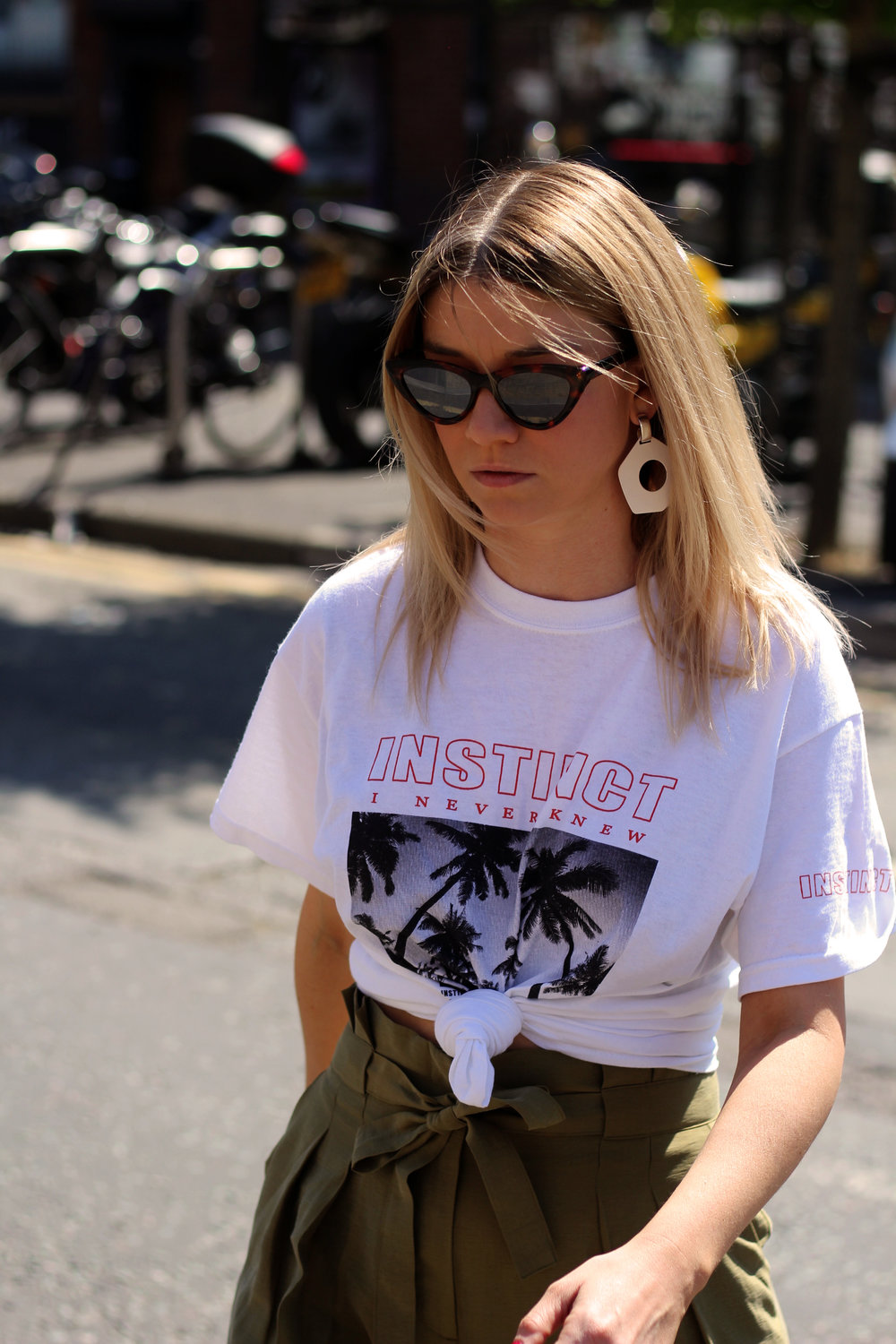 front print t-shirt, paper bag trousers, geometric earrings, manchester, joey taylor, northern magpie 2