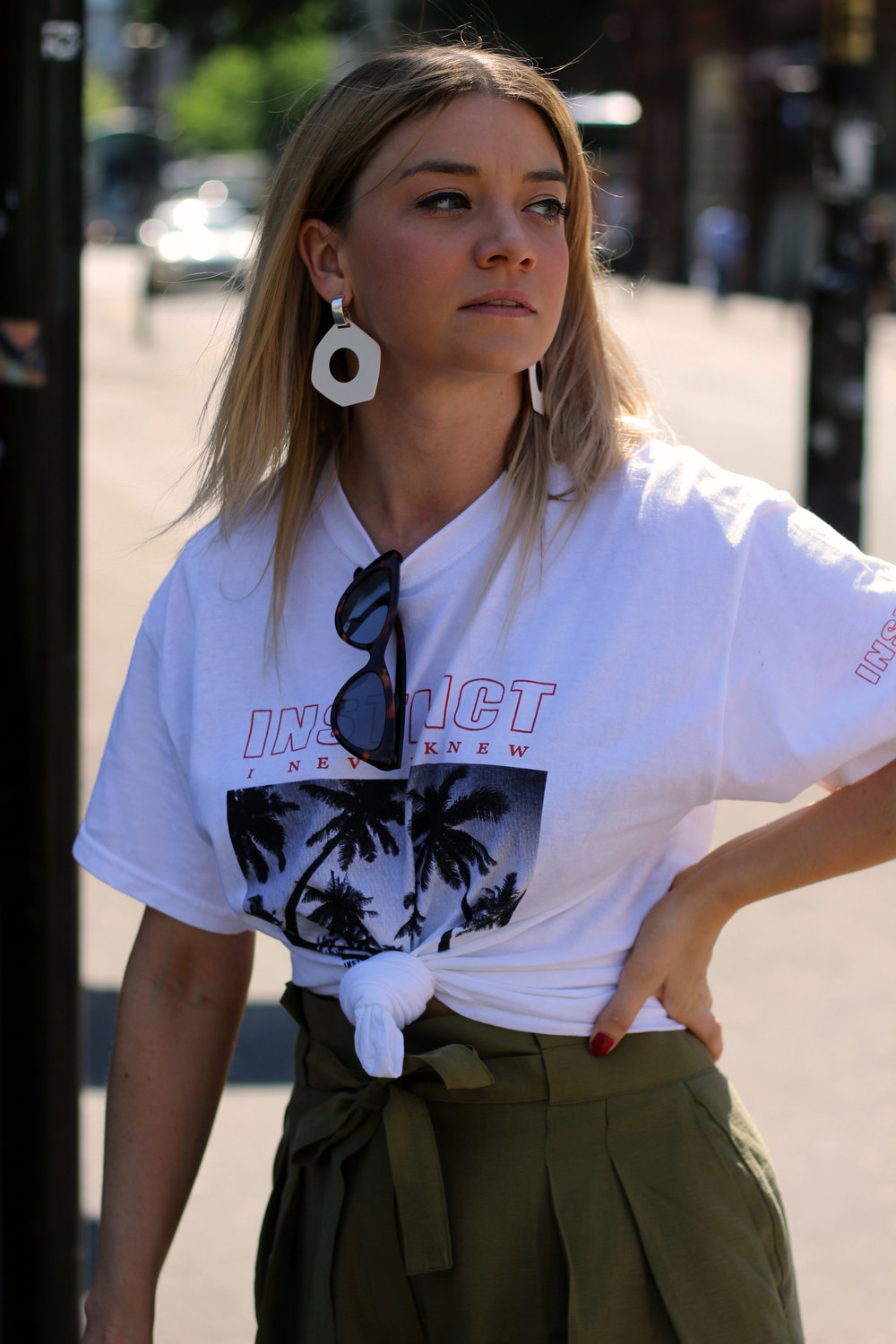 front print t-shirt, paper bag trousers, geometric earrings, manchester, joey taylor, northern magpie 6