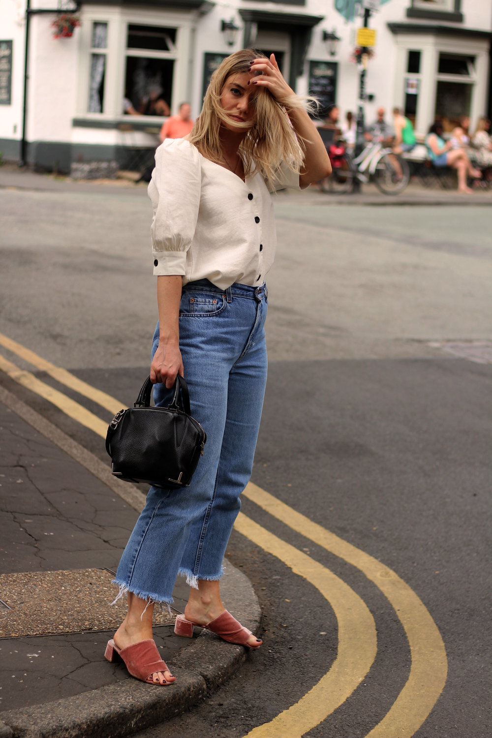 linen top, vintage jeans, northern magpie 2