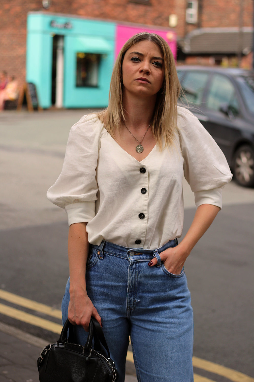 linen top, vintage jeans, northern magpie 3
