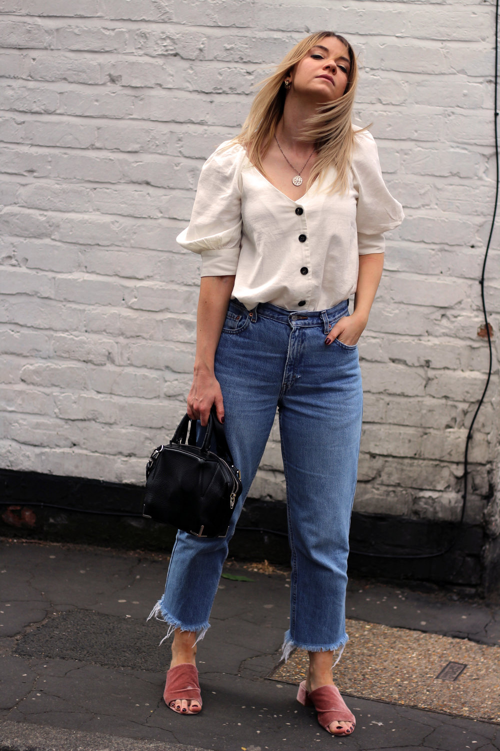 linen top, vintage jeans, northern magpie 5
