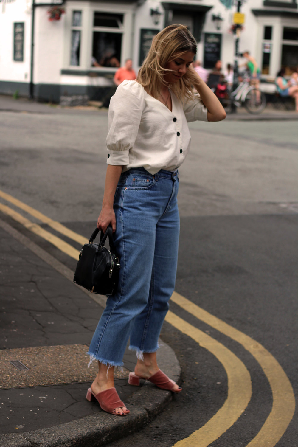 linen top, vintage jeans, northern magpie 6