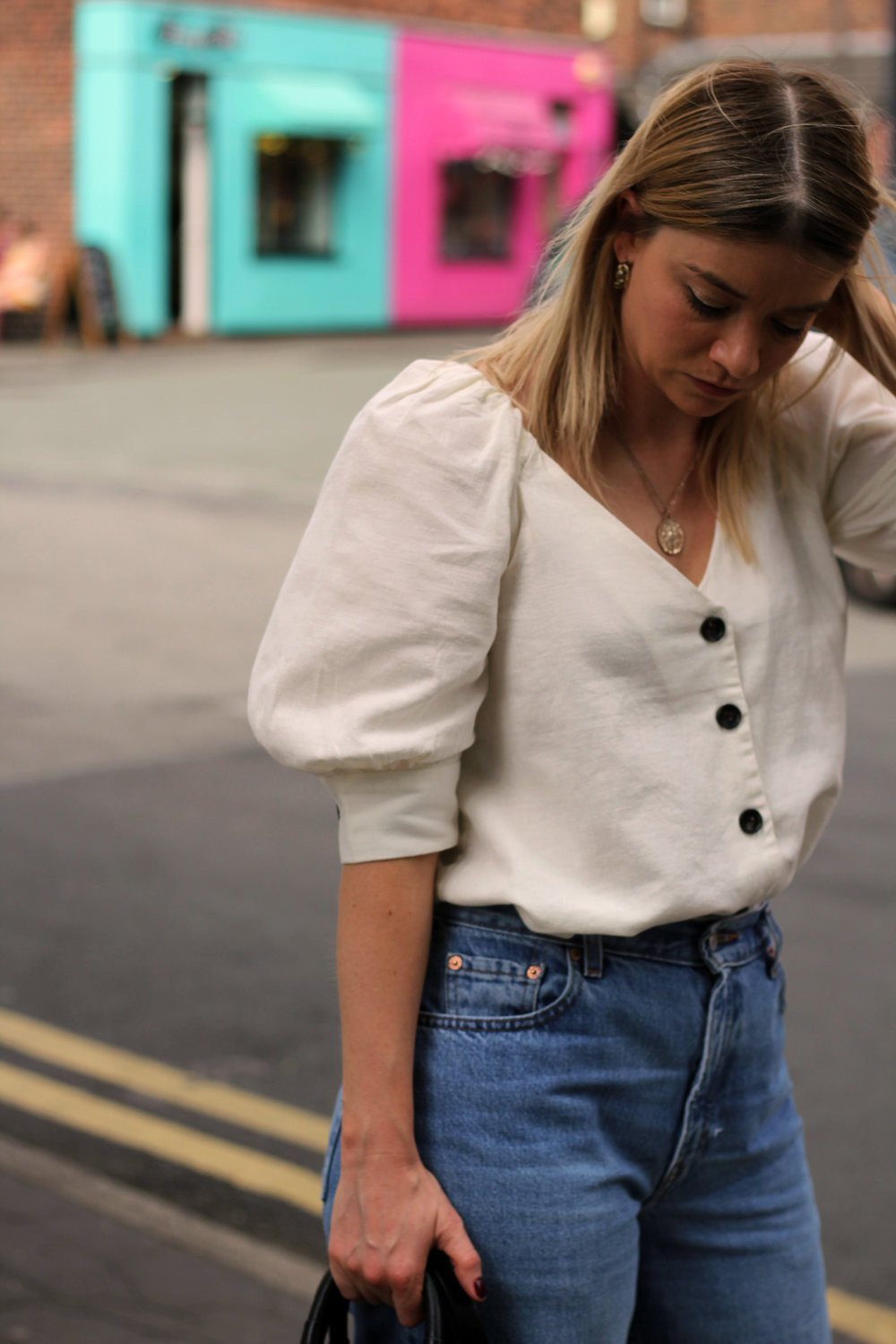 linen top, vintage jeans, northern magpie 7