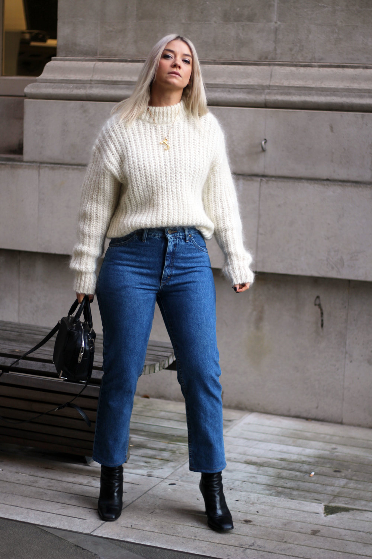 vintage jeans, Lee jeans, H&M jumper, black boots, northern magpie, joey taylor 3