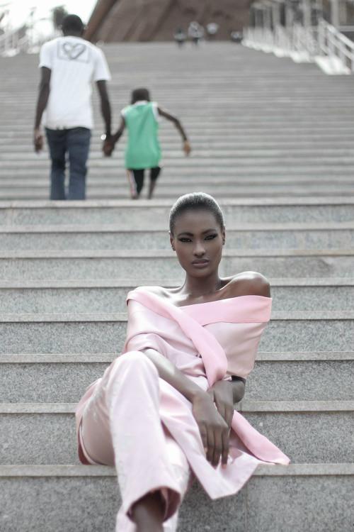 Aminata Faye pour la Campagne SS15 de Sophie Zinga Photo: Sarah Diouf