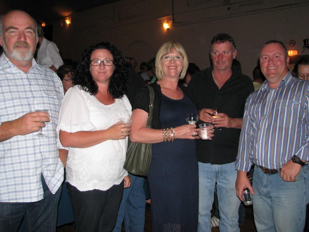 Des Stearman & Tanya Brown & Angela Chapman & Stephen Chapman & Jason Brown.JPG