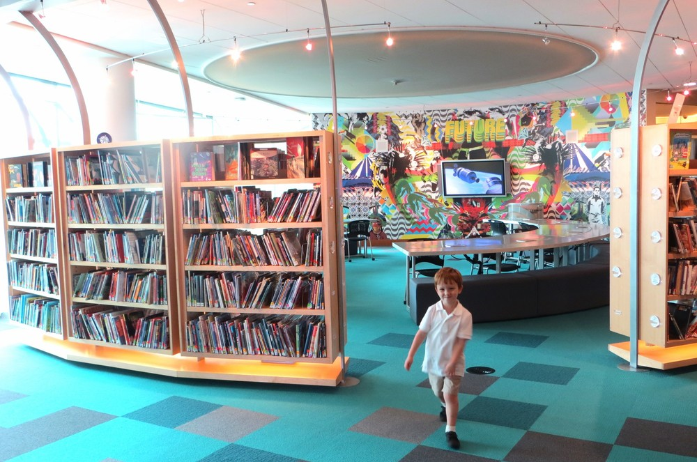The Learning Curve has study areas for school groups, play areas for young children, and technology centers as well as books.