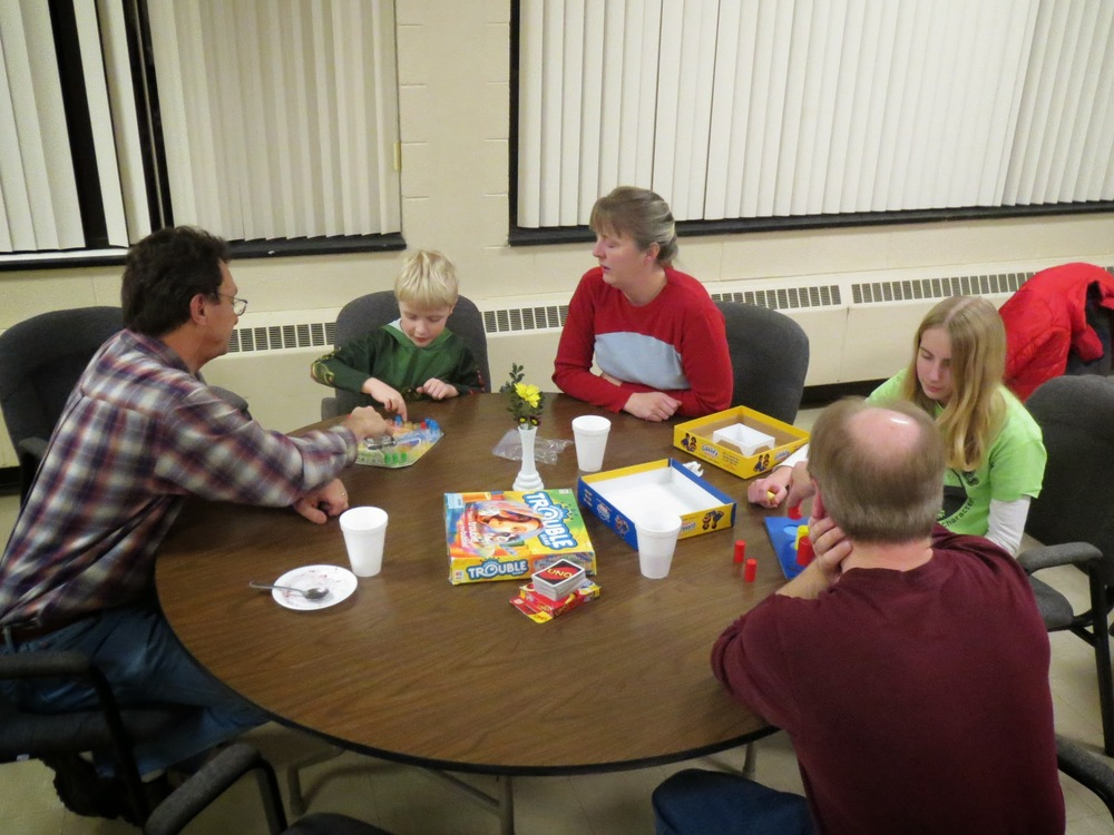 Game Night 2014 007.JPG