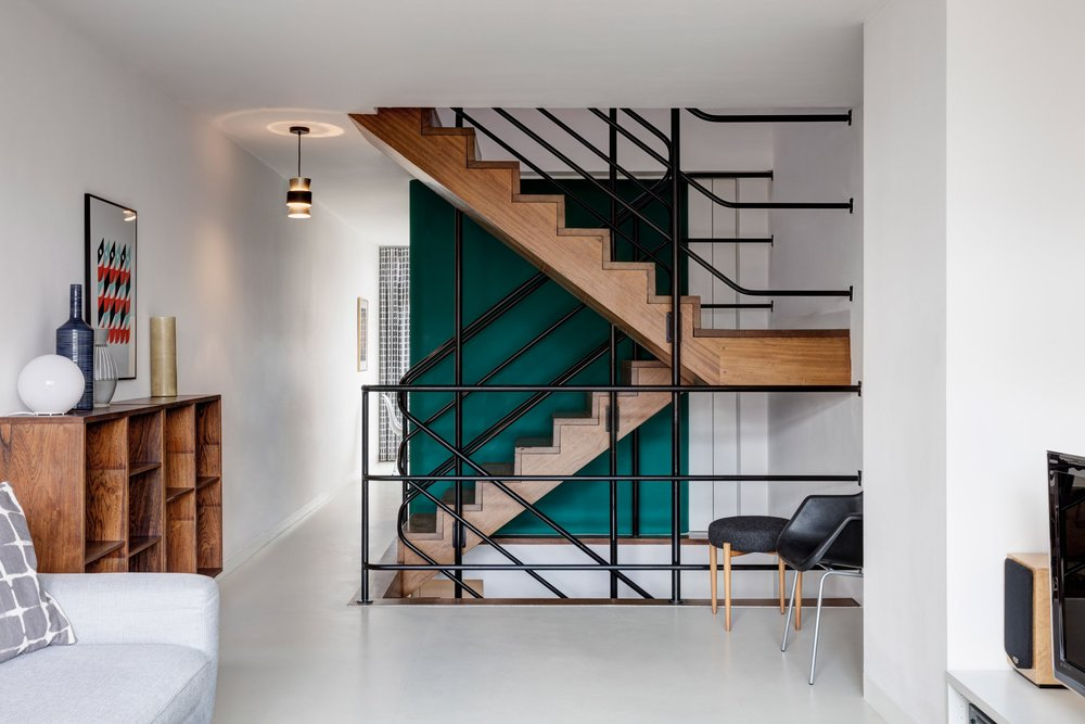 Lane Screen Prints in Emulsion Architecture's 'Ben Jonson House' Barbican Estate apartment. Credit: Ed Reeves, Edit Photo