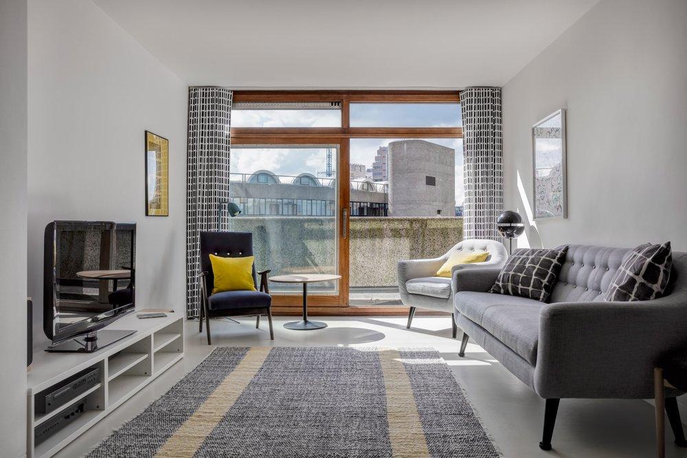 Lane Screen Prints in Emulsion Architecture's 'Ben Jonson House' Barbican Estate apartment. Credit: Ed Reeves, Edit Photo