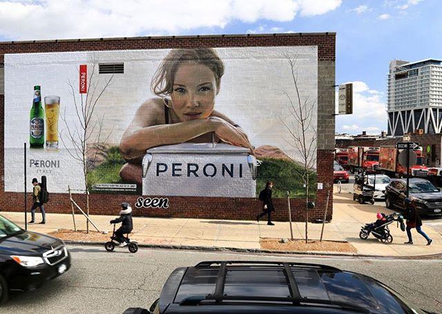 Happy Thirsty Thursday Ya'll @peroniusa #handpainted
