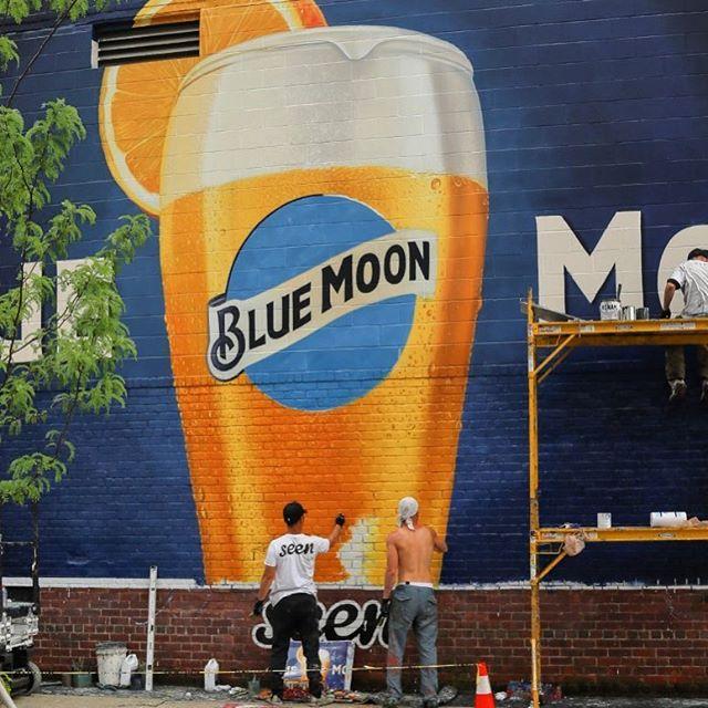Happy Friday, America @bluemoonbrewco #handpainted #mural #signpainting #alwayshandpaint #alldayeveryday #nyc