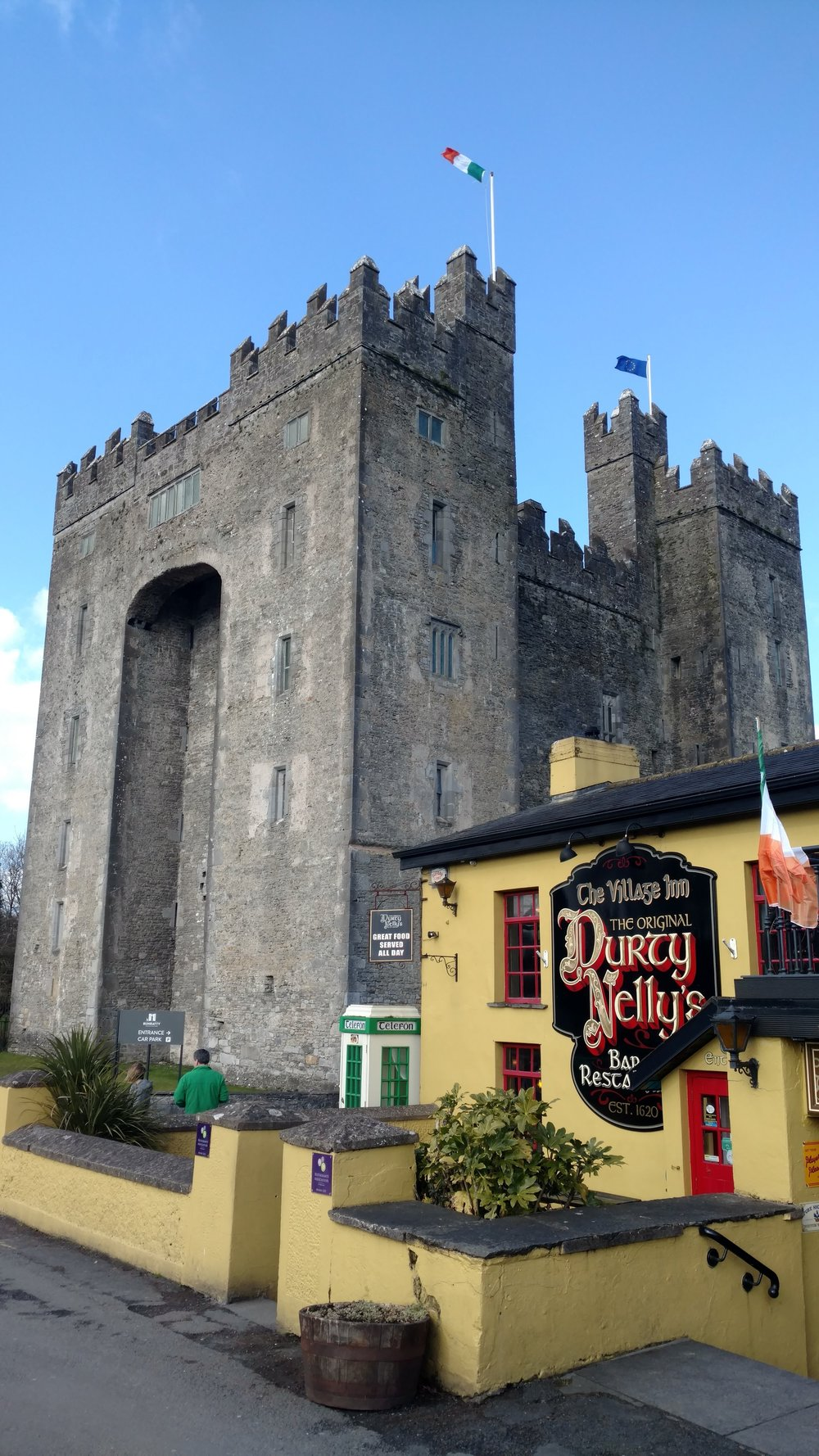 Bunratty Castle and Durty Nelly's, Bunratty