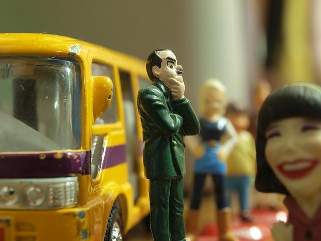 bus-stop-391242_640.jpg