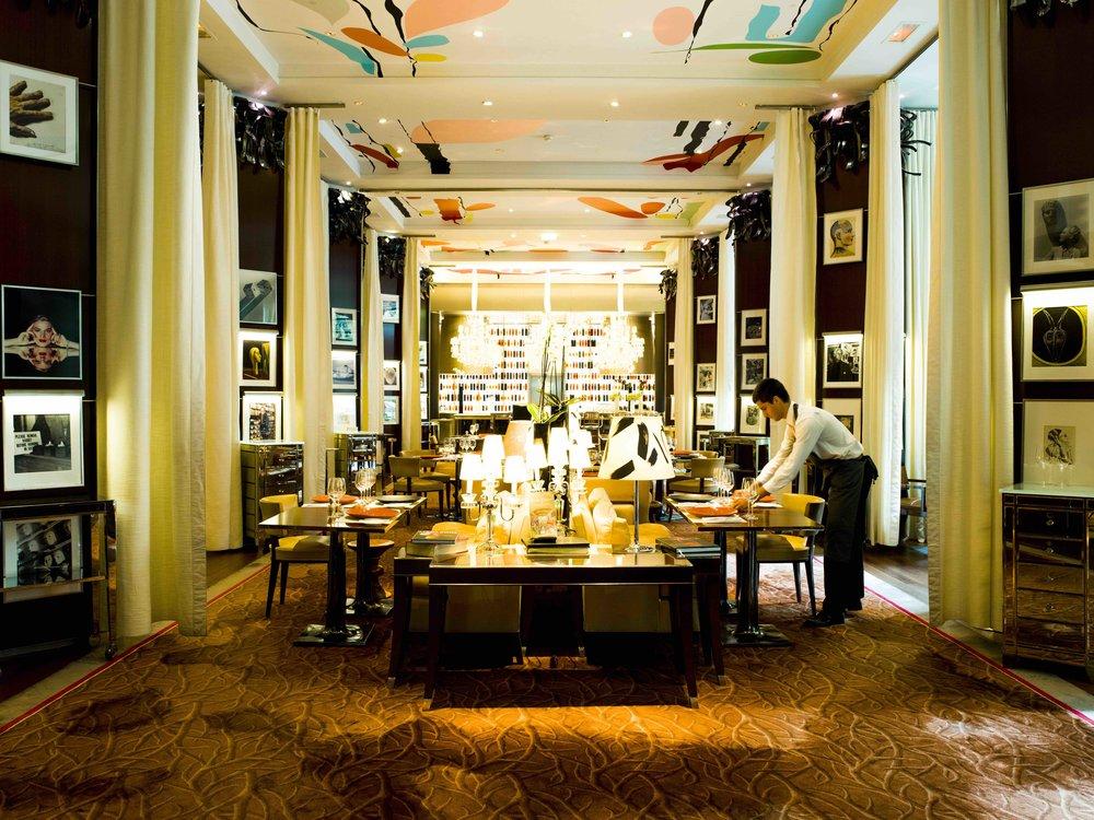 18_LeRoyal_Monceau_Raffles_Restaurant_017.jpg