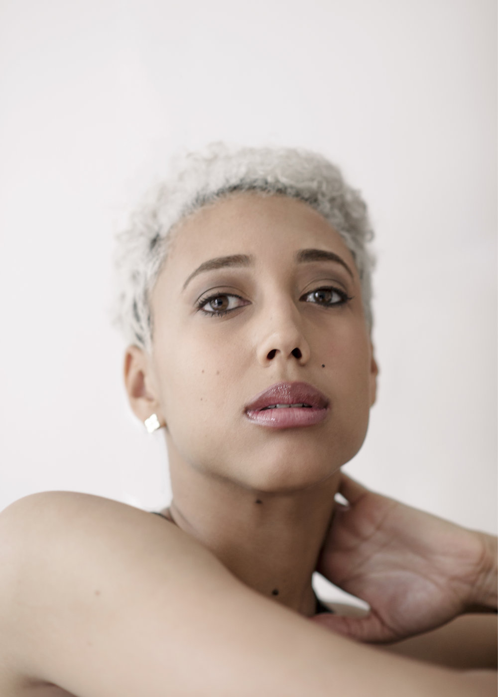 Miriam / Singer, Songwriter