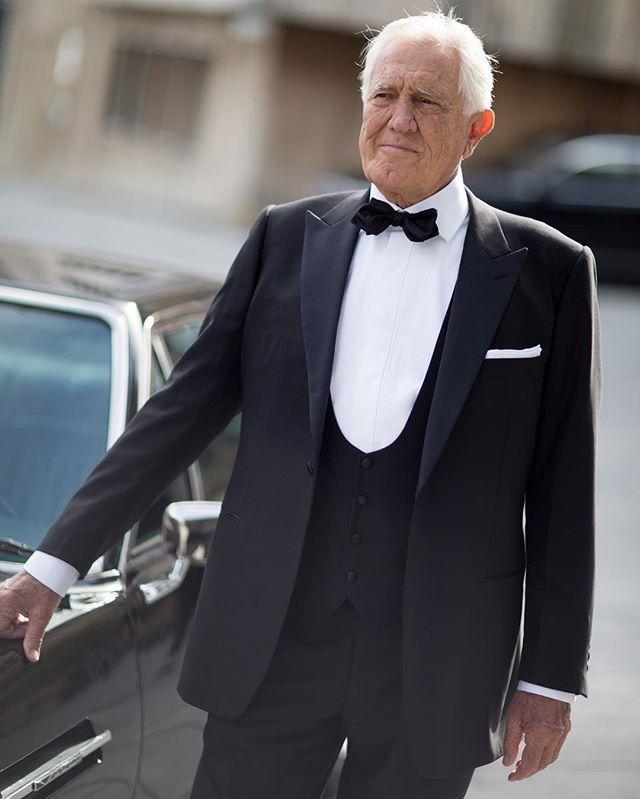 #Bond