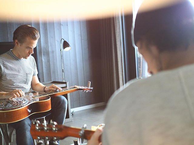 @hugorisdal is in da house!! #Världenbästagitarrist 📷 @es_may_x @norefjellskiogspa