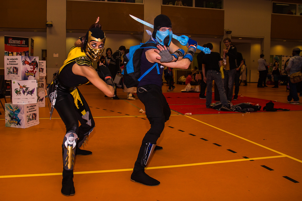 Scorpion en Sub zero door  InuNeko Cosplay