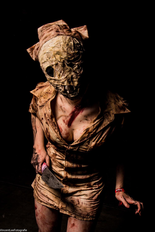 Zoweeesooo Cosplay  als een Silent Hill nurse