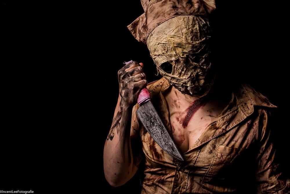 mijn fav :) silent hill nurse door  Zoweeesooo cosplay