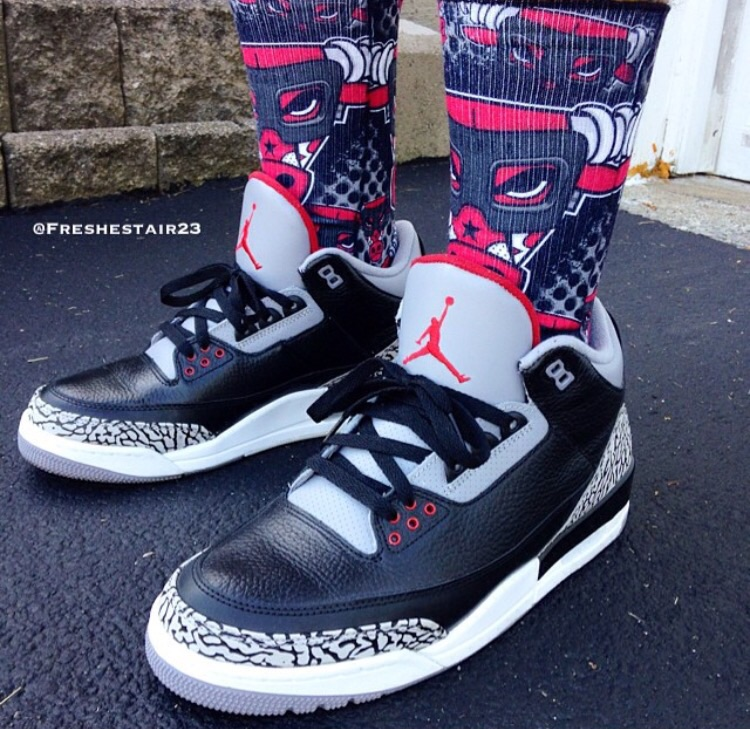 An on foot look at the 2011 version of David's personal favorite, the Air Jordan 3 Black Cement.