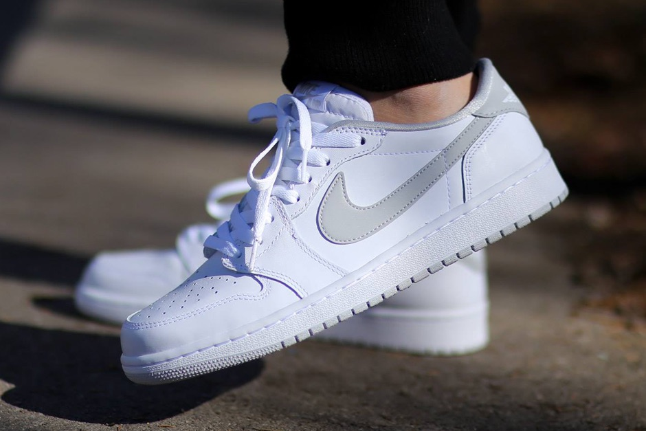 An on-foot look at the Air Jordan 1 OG Low in the White/Neutral Grey colorway dropped exclusively in Europe.