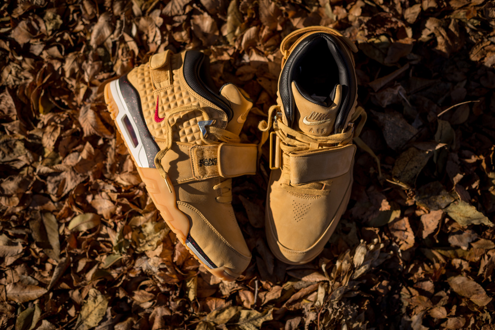 "The Nike Air Trainer V. Cruz PRM ""Haystack"" released Friday 11/20 at select retailers nationwide with a retail price set at $150 USD."