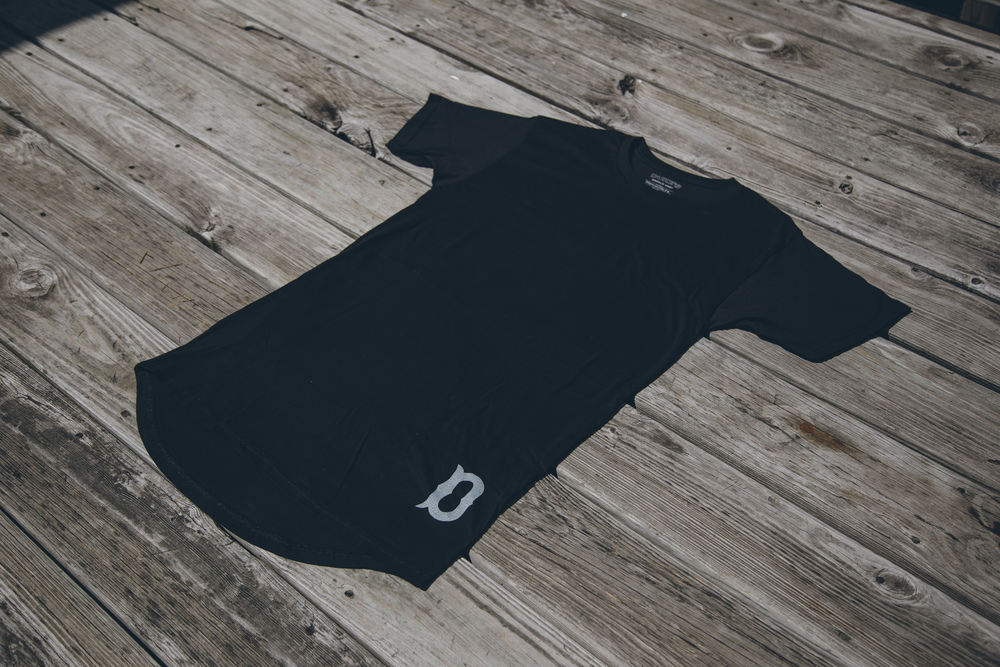 DBS Boys Of Summer Long Scoop Tee - Black