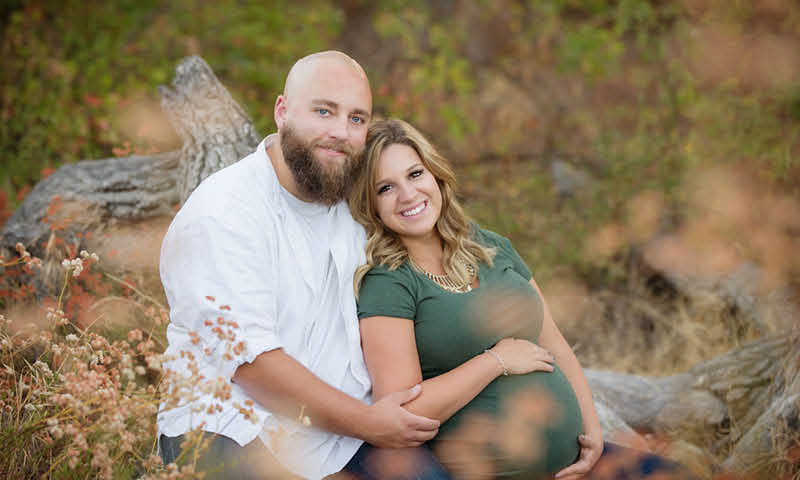 Best maternity photographer in Thousand Oaks