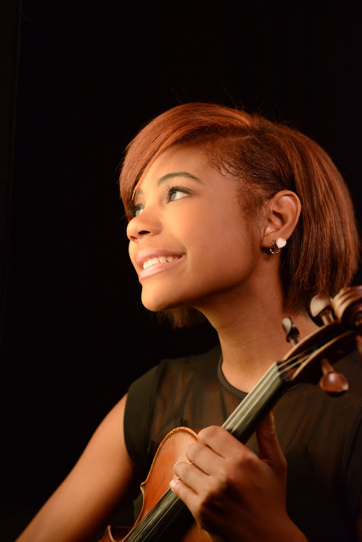Raven Burckhalter, Violinist