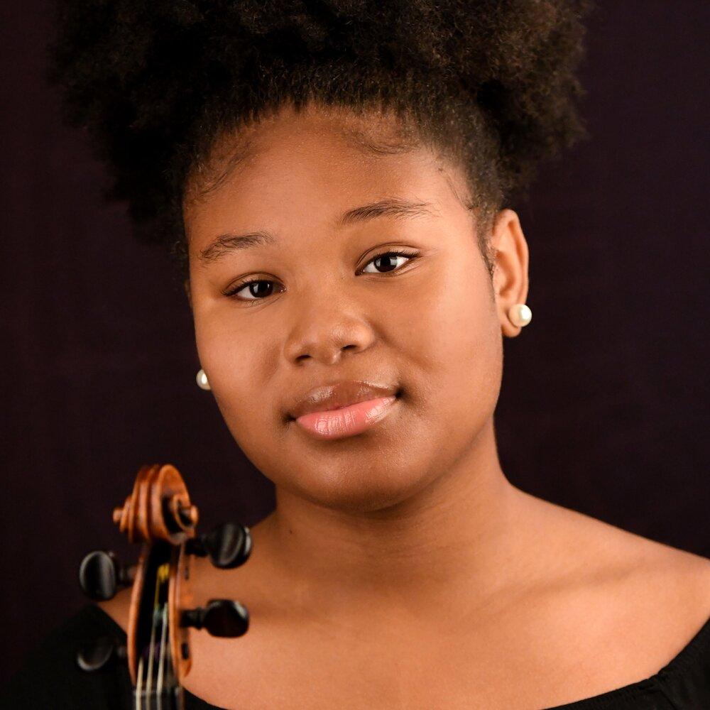 Janae Horn, Violin