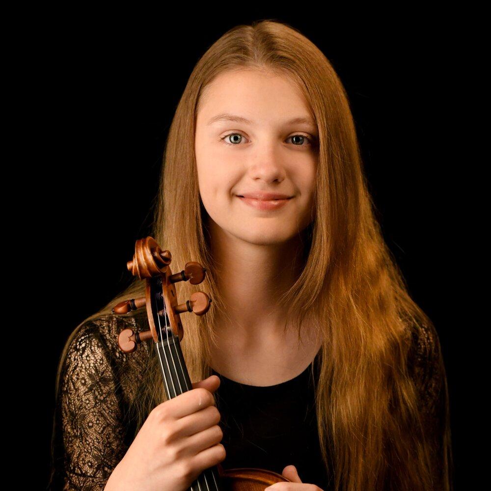 Sofiya Solomyanskaya, Violin