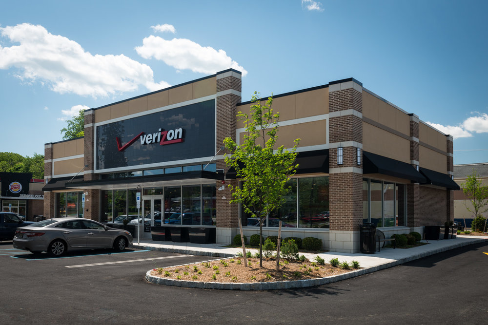 17-VerizonWireless - Roxbury.jpg