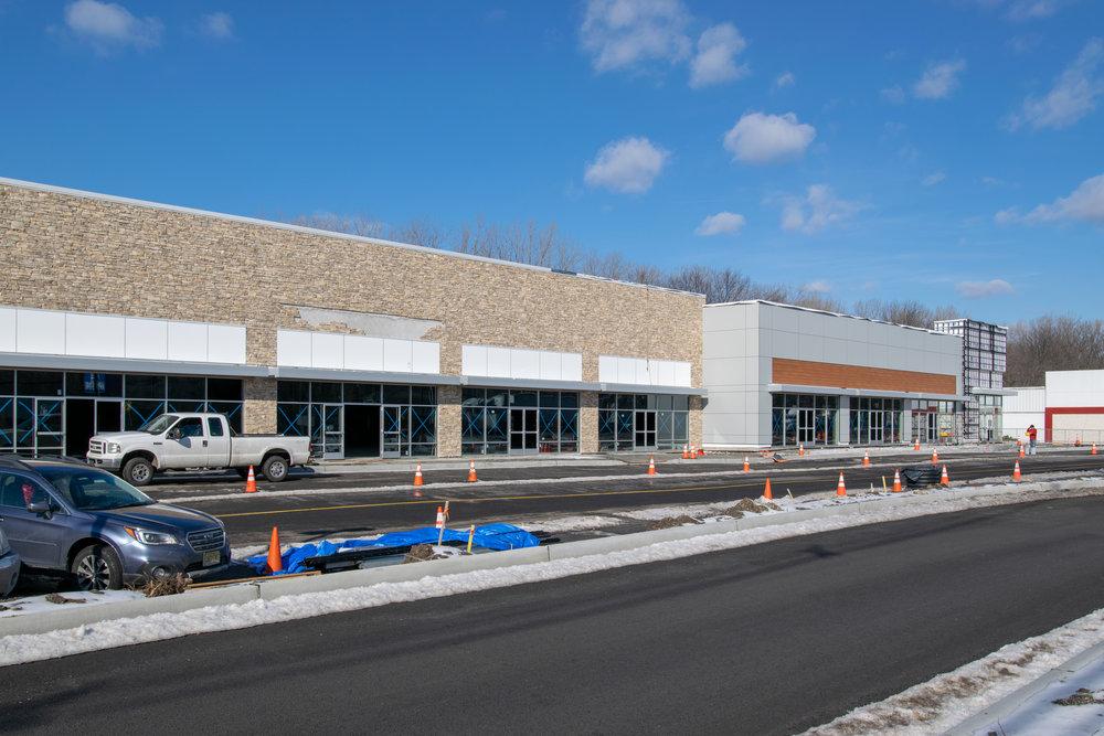 Paramus Retail Center_-46.jpg