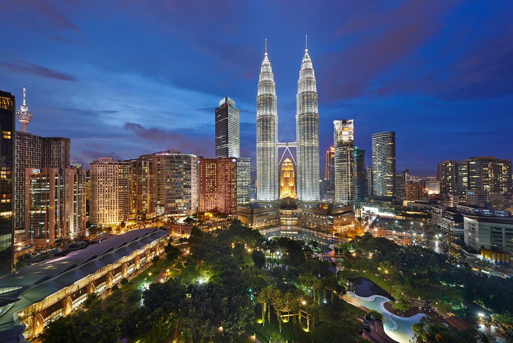 Live the modernbig city life in Malaysia's cultural and political hub
