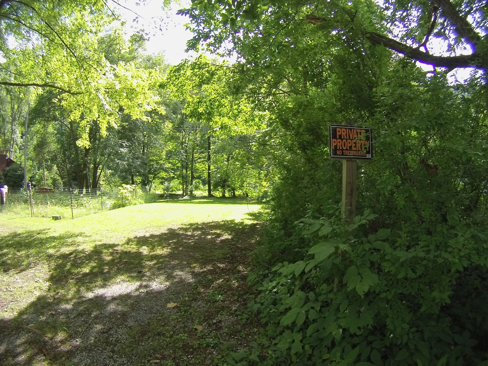Just stay to the left of the PRIVATE PROPERTY sign and walk down to the Community access area.