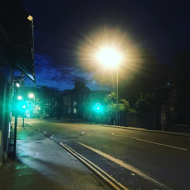 Green light. East Oxford morning sky. Catching a plane to Kernow and feeling a bit guilty about my carbon 👣... #oxford #cornwall #earlymorning #morningsky #carbonemissions #sorry