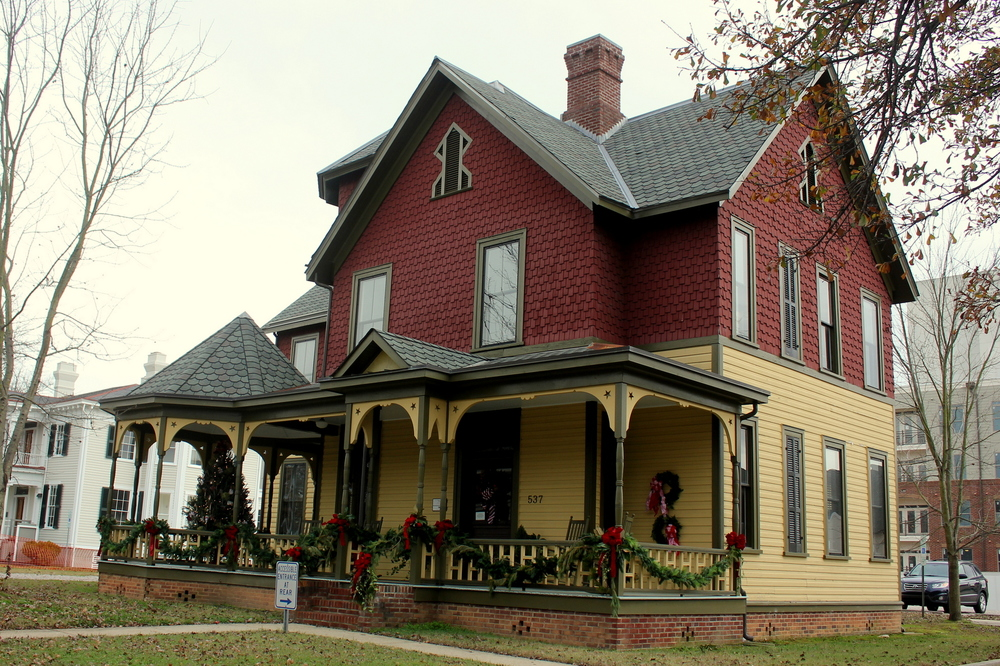 Polk House Wreath.JPG