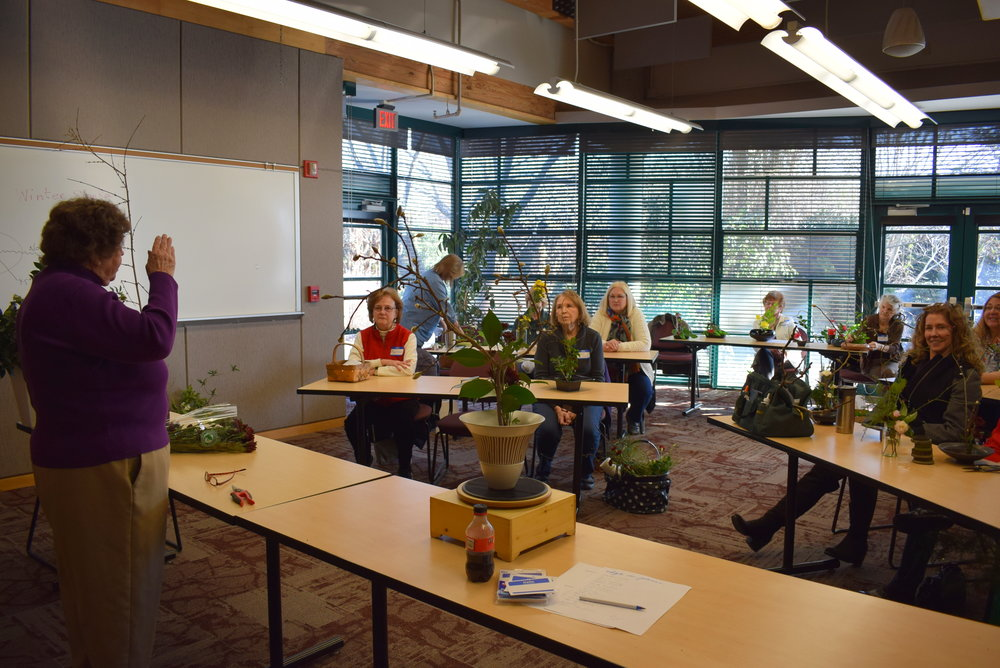 Ikebana workshop - Jane Barbot teaching 2.JPG