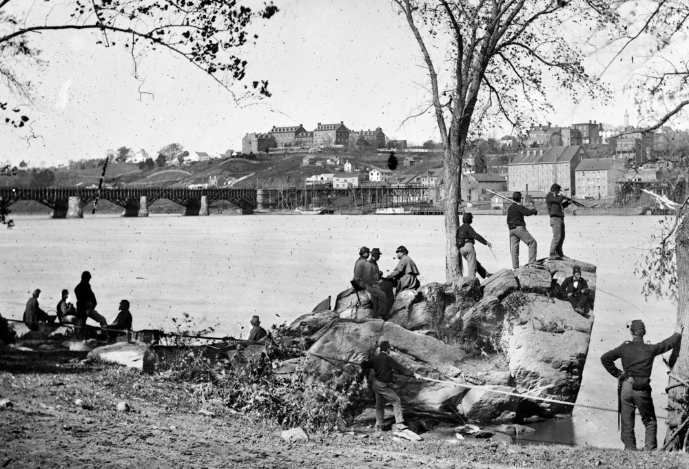 Union soldiers across the Potomac River from Georgetown University in 1861