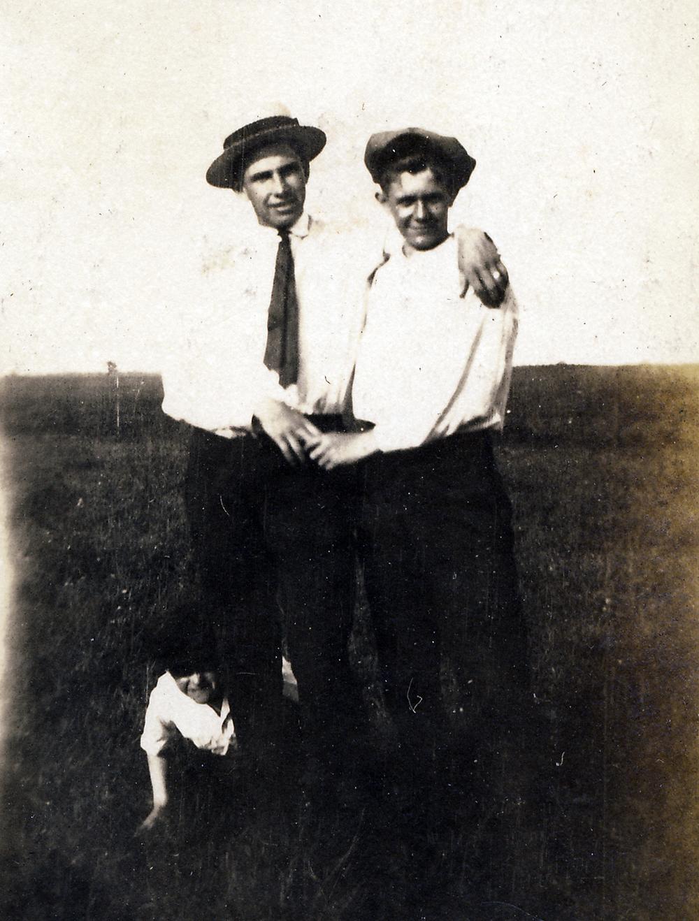 ap3335b-1921.jpg
