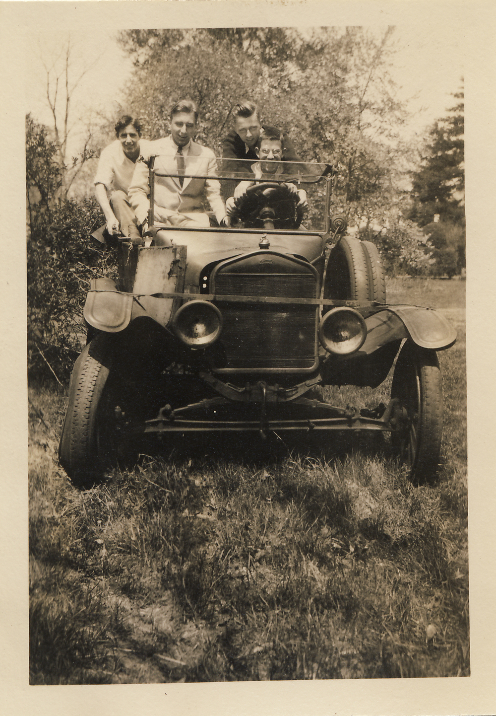 ap3432-1931.jpg