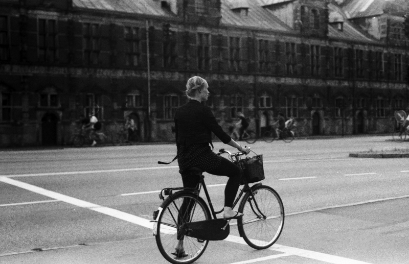 Almost 40% of people living in Copenhagen bike to work | photo by kopenhaven2 on Flickr | Keeper & Co. Blog