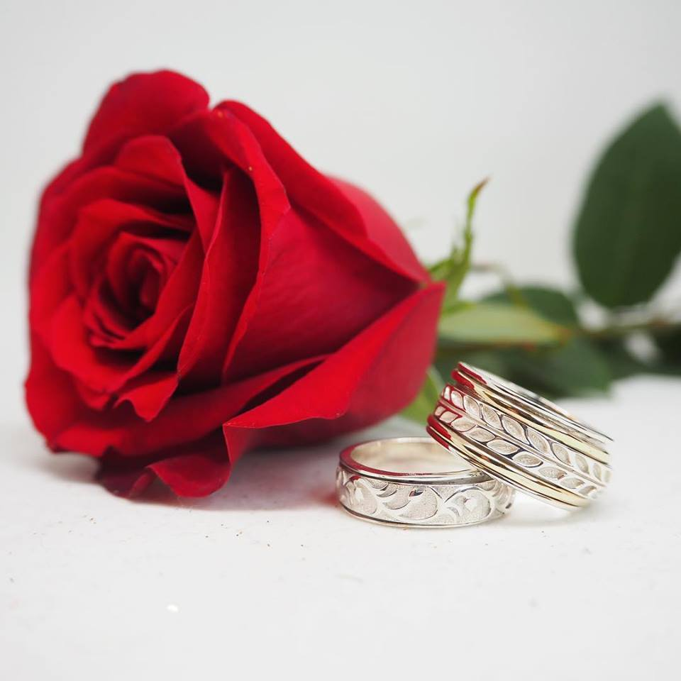 Meditation Rings provides the finest quality of hand crafted gold and sterling silver designer rings with spinning bands. . Meditation Rings believe that each person has a special and unique personality that is why each ring that we have selected has its own distinctive style and individuality.  Explore more!   https://meditationrings.com/